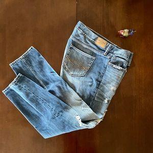 A & F Boyfriend Jeans 8R 29X25